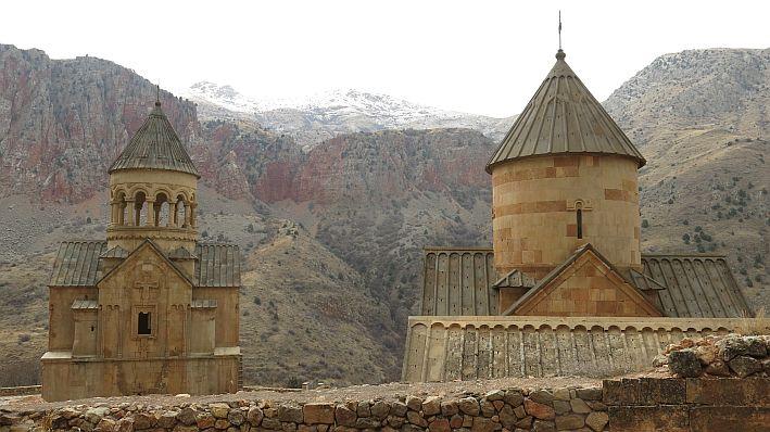 no.12 ' from armenia into iran | pushbikegirl - solo female, Moderne